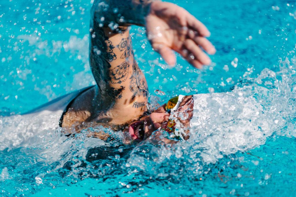 Large tattoos reduce athletic performance